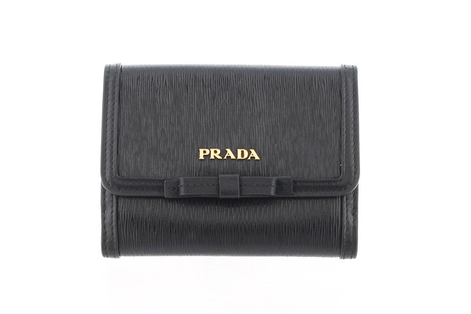 2つ折り財布 コンパクト財布 リボン 黒 ブラック 1MH523 未使用