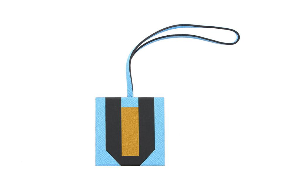 バッグチャーム LETTRE AU CARRE レトル・オ・カレ  イニシャルU セレステ/ジョーヌアンブル/ブルーオブスキュール  未使用